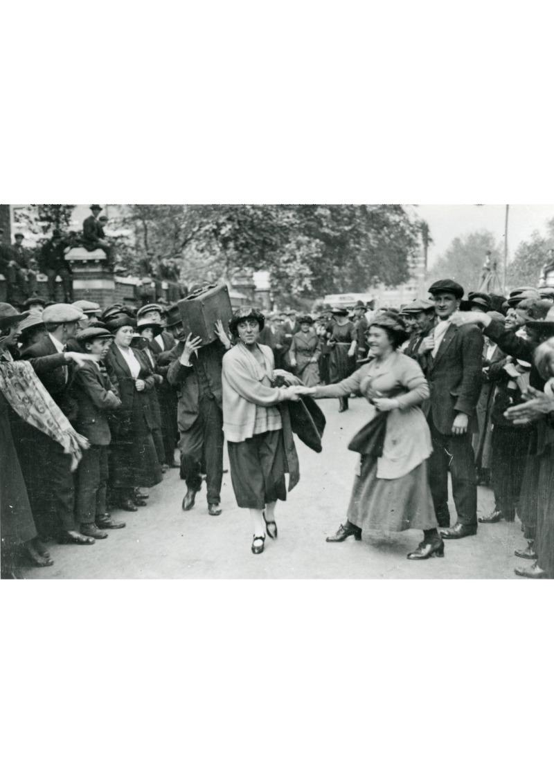 P16189 Minnie Lansbury